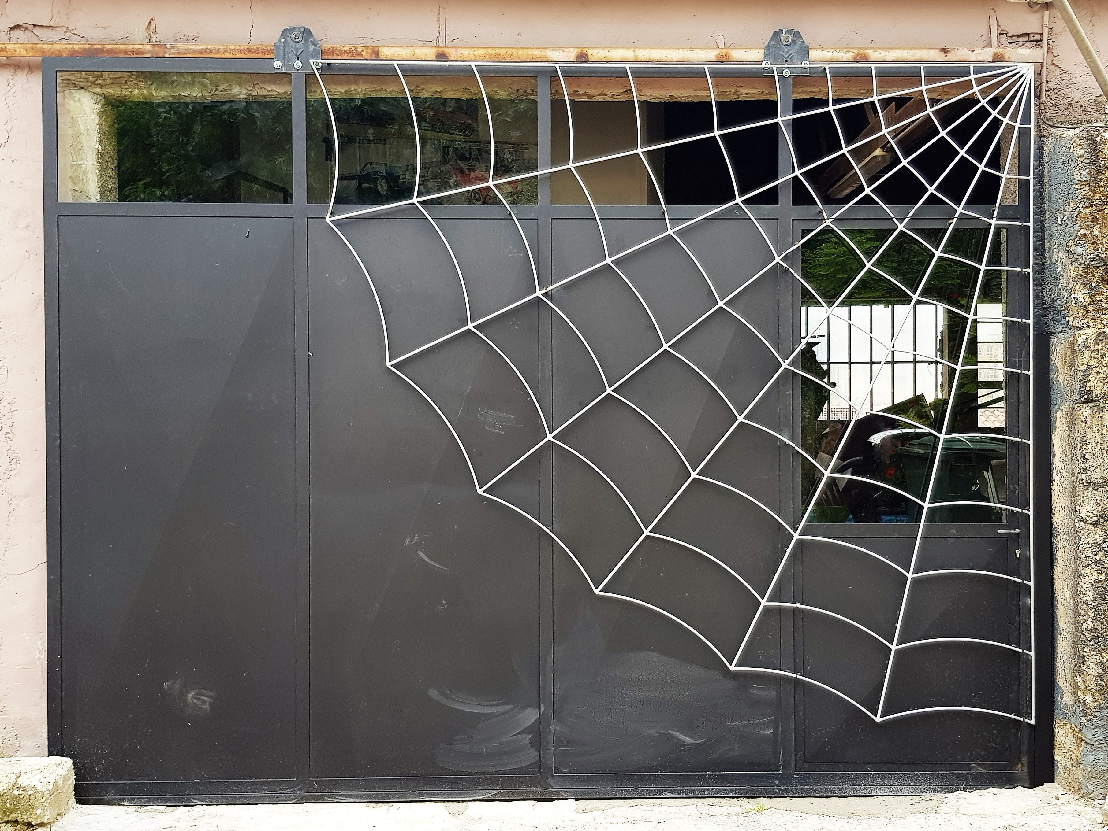 Porte de Garage Toile D'araignée